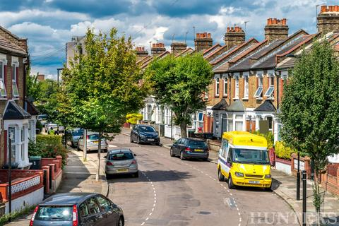 3 bedroom terraced house for sale - Clonmell Road, London, N17