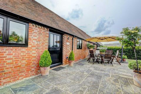 2 bedroom barn conversion to rent - Hornage Farm, Long Crendon