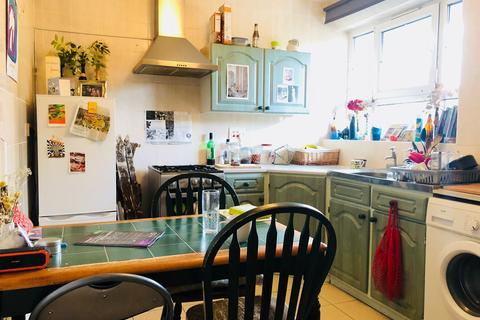 3 bedroom flat to rent - Brady Street, Whitechapel E1
