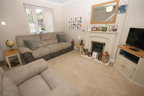 2 bedroom townhouse to rent - Hions Close, Brighouse