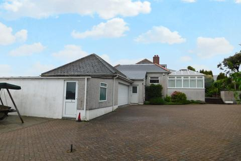 4 bedroom detached bungalow to rent - Penhale, Fraddon