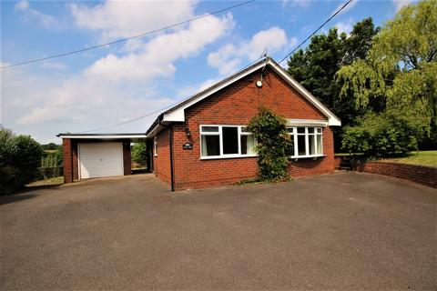 2 bedroom detached bungalow to rent - Uttoxeter Road, Kingstone