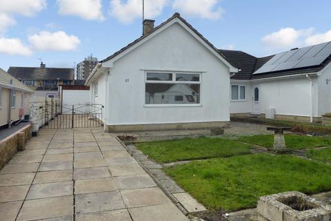 3 bedroom bungalow to rent - Barnard Close, Nythe, Swindon, Wiltshire, SN3