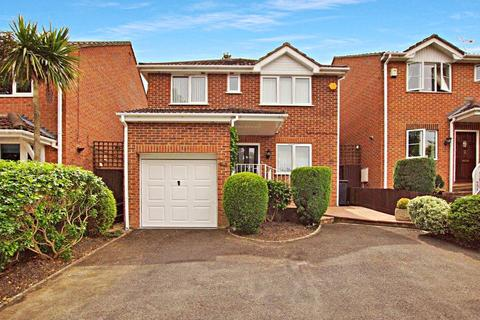 3 bedroom detached house for sale - Winston Avenue, Branksome, Poole, BH12