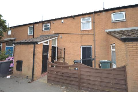2 bedroom terraced house for sale - Royal Close, Leeds, West Yorkshire