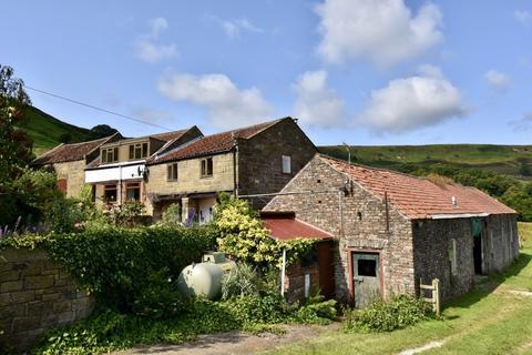 3 bedroom farm house for sale - Thorgill