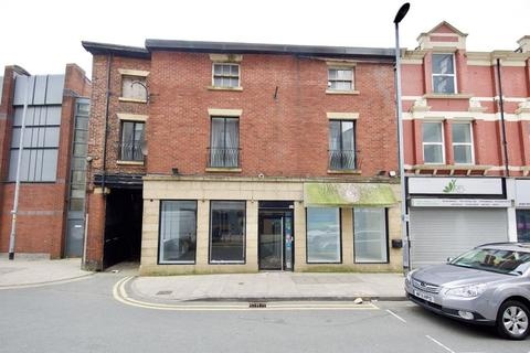 Retail property (high street) to rent - The Rock, Bury