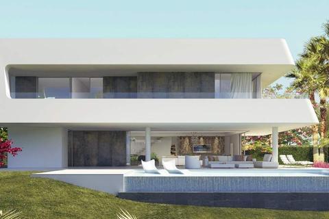 4 bedroom detached villa - Atalaya Isdabe, Malaga, Spain