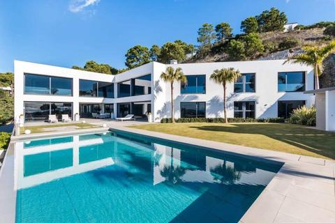 6 bedroom detached villa - Benahavis, Malaga, Spain