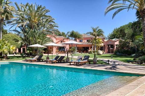 10 bedroom detached villa - San Pedro de Alcantara, Malaga, Spain