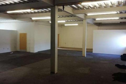 Office to rent - 4 Raven road, London E18