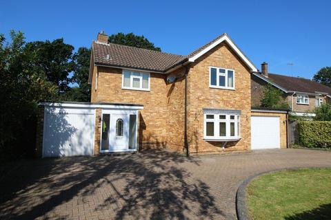 4 bedroom detached house for sale - Pound Hill, Crawley