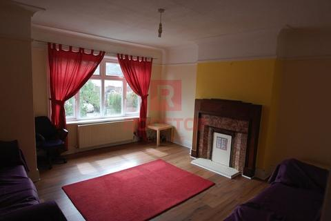 4 bedroom semi-detached house to rent - ST. CHADS DRIVE|HEADINGLEY|ZERO ADMIN FEES|CENTRAL LOCATION