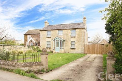 4 bedroom detached house for sale - Evesham Road, Cheltenham