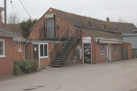Office to rent - Man's Hill, Burghfield Common, Berkshire