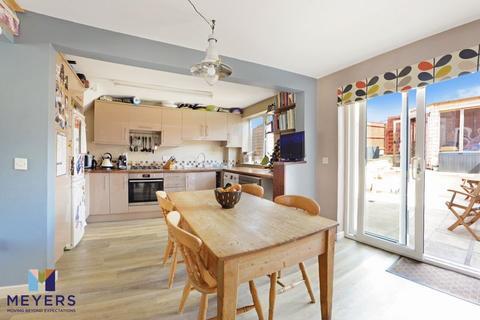 3 bedroom terraced house for sale - Celtic Crescent, Dorchester, DT1
