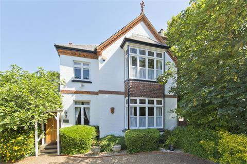 4 bedroom detached house for sale - Dunboe Place, Shepperton, Middlesex, TW17