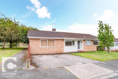 3 bedroom detached bungalow for sale - Tithebarn Drive, Parkgate, Neston