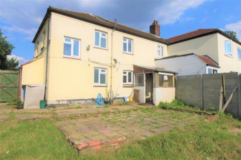 3 bedroom semi-detached house to rent - Luton Road, Chalton, Luton
