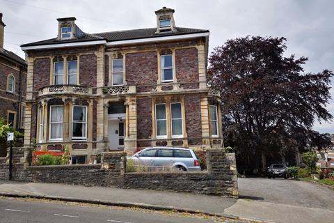 Studio to rent - Cotham Park, Cotham