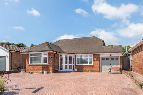 4 bedroom detached bungalow for sale - Coombe Road, Steyning