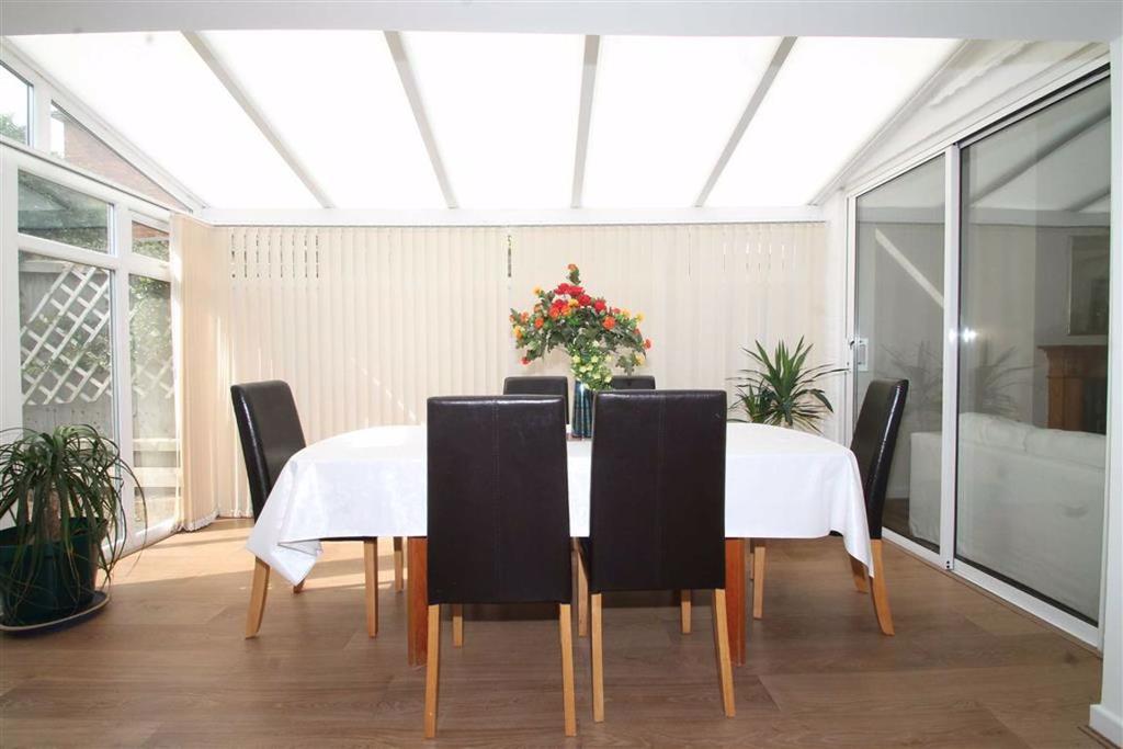 Full Width Breakfast Room