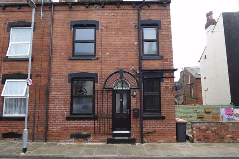 2 bedroom terraced house to rent - Whingate Grove, Leeds, West Yorkshire, LS12