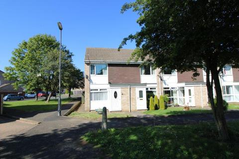 3 bedroom end of terrace house for sale - Chichester Close, Kingston Park, Newcastle Upon Tyne
