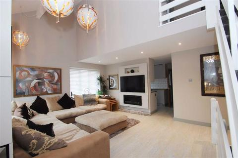3 bedroom duplex for sale - Kensington Court, Wilmslow