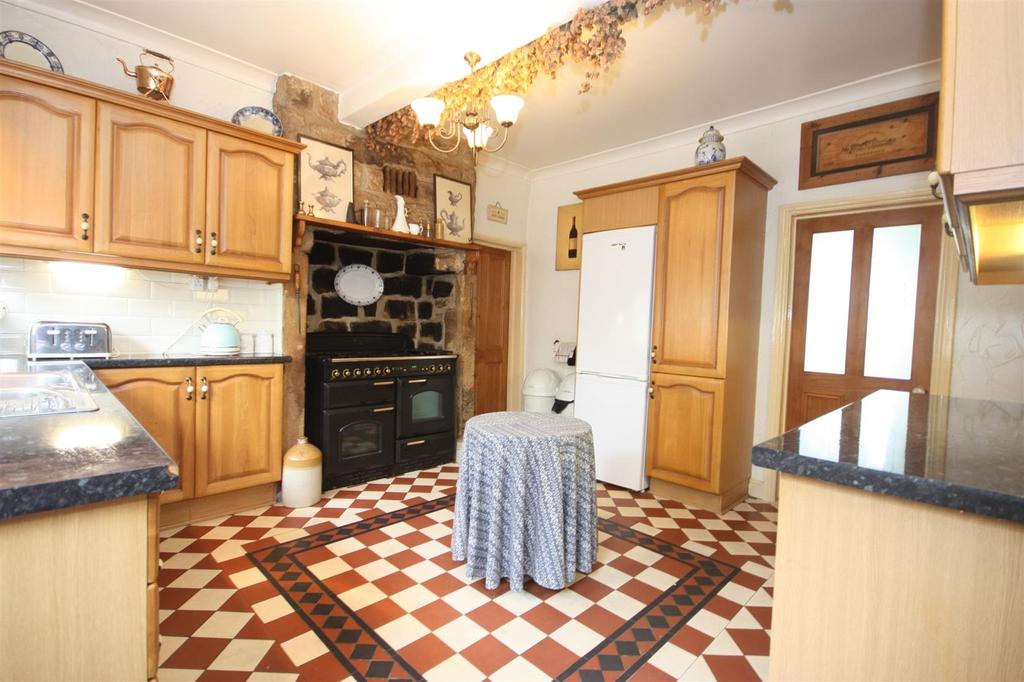 Country fitted kitchen