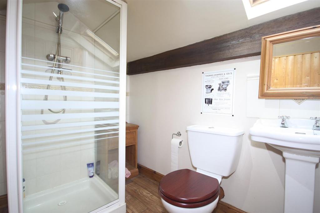 Loft room shower ensuite.jpg