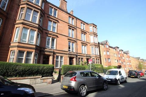 3 bedroom flat to rent - GOLFHILL DRIVE, GLASGOW, G31 2NZ