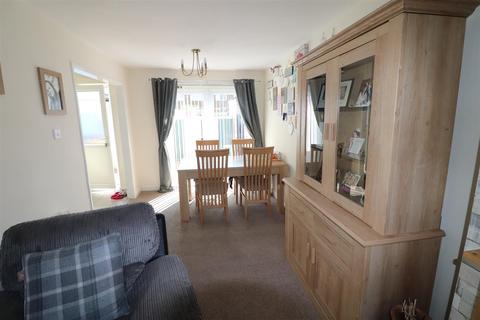 3 bedroom end of terrace house for sale - Norwich Close, North Seaton Estate, Ashington