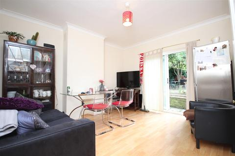 3 bedroom detached house to rent - Carlisle Avenue, Acton, W3 7NQ