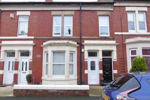 2 bedroom ground floor flat to rent - Kielder Terrace, North Shields, Tyne and Wear, NE30 2AD
