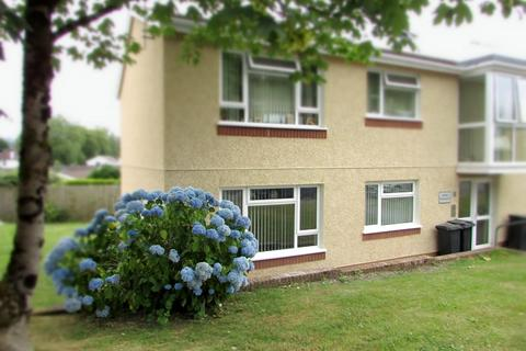 1 bedroom ground floor flat for sale - Twyn Teg, Neath, Neath Port Talbot. SA10 7RN