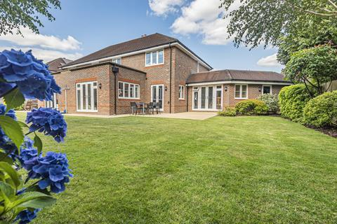 4 bedroom semi-detached house for sale - Piggott Place, London Road, Sheet, Petersfield, GU31