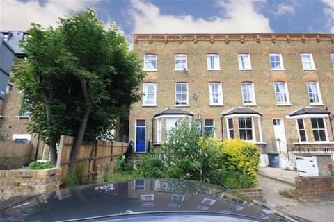 4 bedroom flat to rent - Byrne Road, Balham
