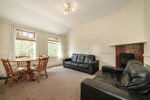4 bedroom flat to rent - Oakmead Road, Balham