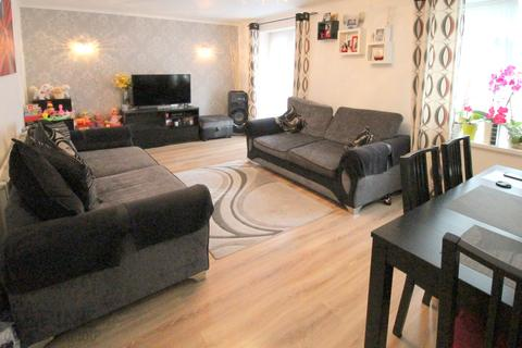3 bedroom maisonette for sale - 27 Sheaveshill Court, Colindale, London NW9