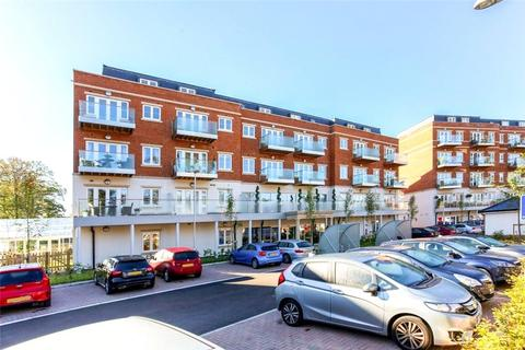 2 bedroom flat for sale - Mulberry House, Lynwood Village, Rise Road, Sunninghill, Berkshire, SL5