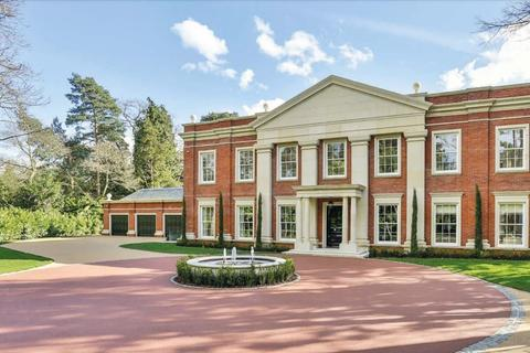 5 bedroom detached house for sale - Old Avenue, St George's Hill, Weybridge,, Surrey