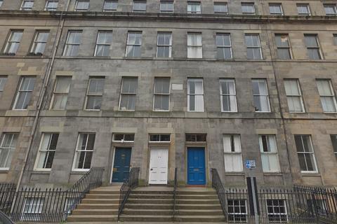 3 bedroom flat to rent - Montgomery Street, New Town, Edinburgh, EH7 5JS