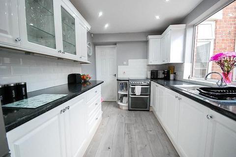 2 bedroom terraced house for sale - Tweed Street, Hebburn