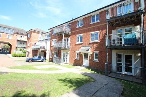 2 bedroom ground floor flat to rent - Greengate, Vipont Court, High Wycombe HP12