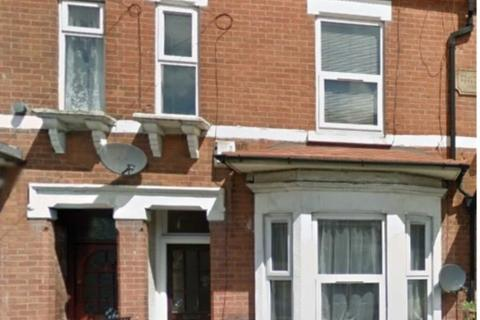 2 bedroom flat to rent - Cromwell Grove, Levenshulme