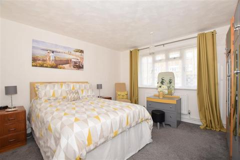 2 bedroom ground floor flat for sale - Grace Walk, Deal, Kent