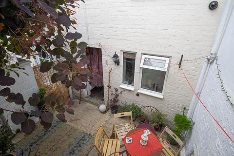 1 bedroom flat for sale - Grafton Road, Cheltenham, GL50 2DD