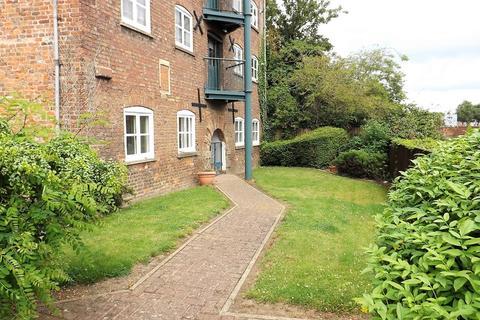2 bedroom ground floor flat for sale - Old Market, Wisbech