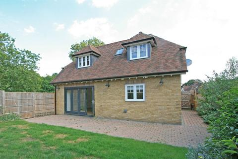 2 bedroom chalet for sale - Plaistow Lane, Bromley, Kent